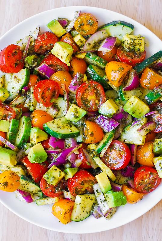 easy avocado salad, fresh vegetables salad