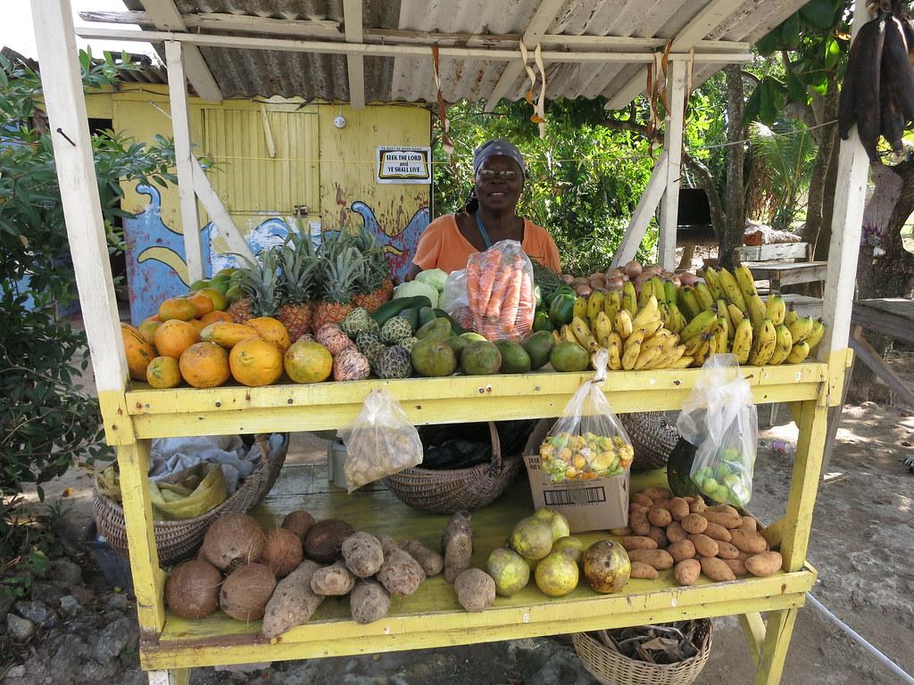 Jamaika kokemuksia / Jamaikalainen hedelmäkoju.