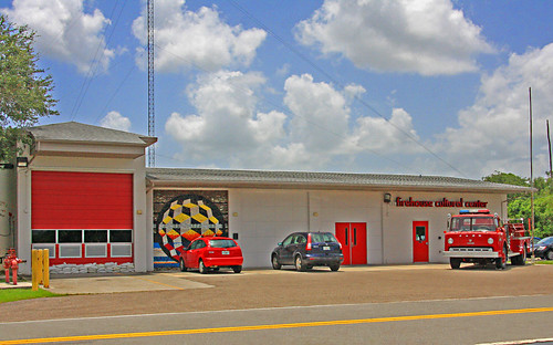 firehousecenter 101firstavenuenortheast 1011stavene ruskin florida fl walnutfd walnutfiredept walnutfiredepartment fireengine2561 fireengine firetruck ford300 boardmancustomcab boardman customcab firehouseculturalcenter fccid195356 betweeneshellpointrd2ndstne eastshellpointroad secondstreetnortheast nearsouthtamiamitrail nearusroute41 us41 route41 nearstamiamitrail enginehouse firehydrant