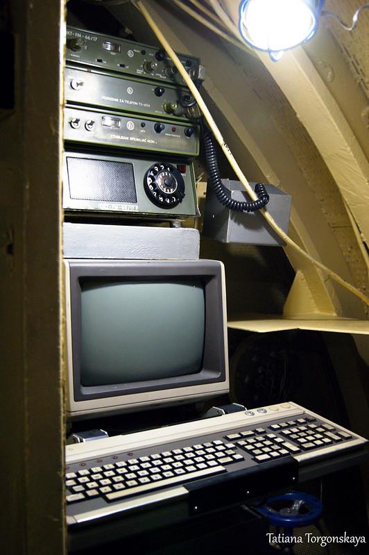 Компьютер и телефон на подлодке