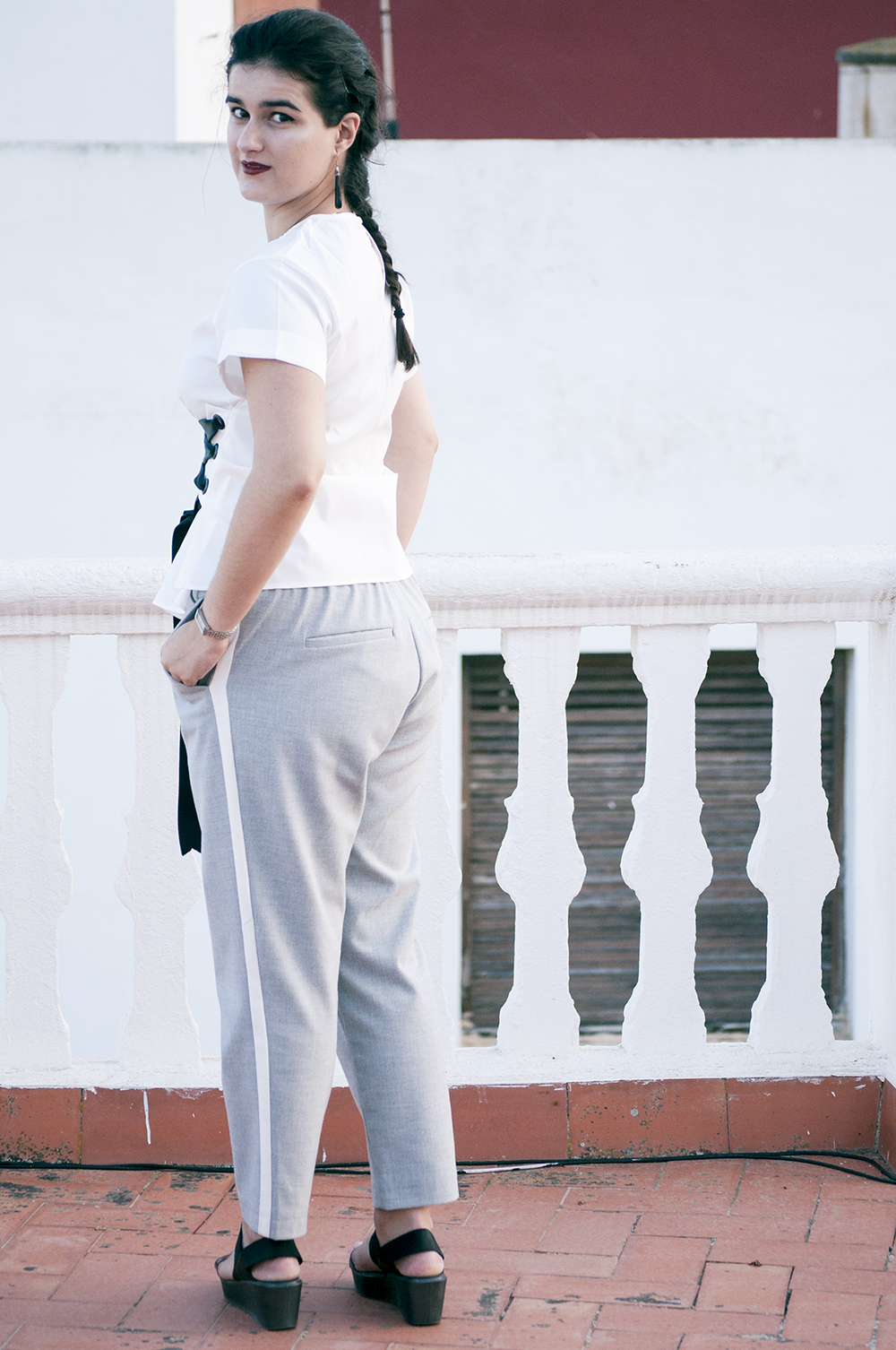 something fashion blogger influencer valencia spain, lightinthebox white T shirt laced corset tailored pants grey Zara