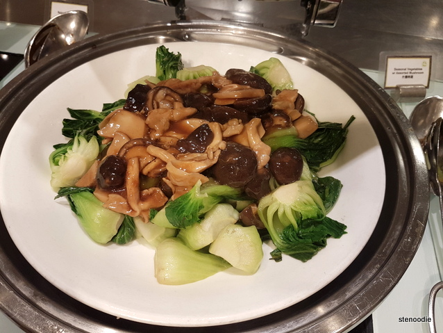Seasonal Vegetables with Assorted Mushrooms