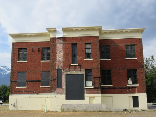 mountain view school revelstoke bc british columbia brick building