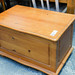 Natural pine top blanket box E35