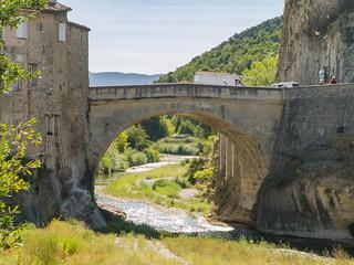 Römische Brücke (1. Jh.) über die Ouvèze in Vaison-la-Romaine