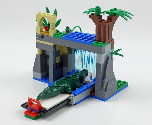 LEGO City Jungle 60160 Jungle Mobile Lab 35