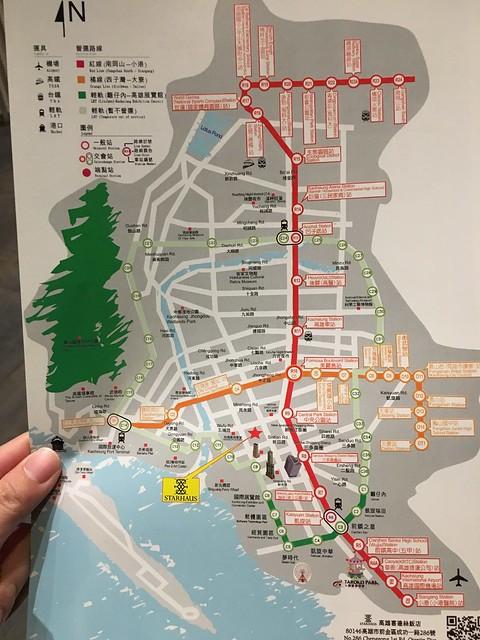門口提供了捷運路線圖@高雄喜達絲飯店