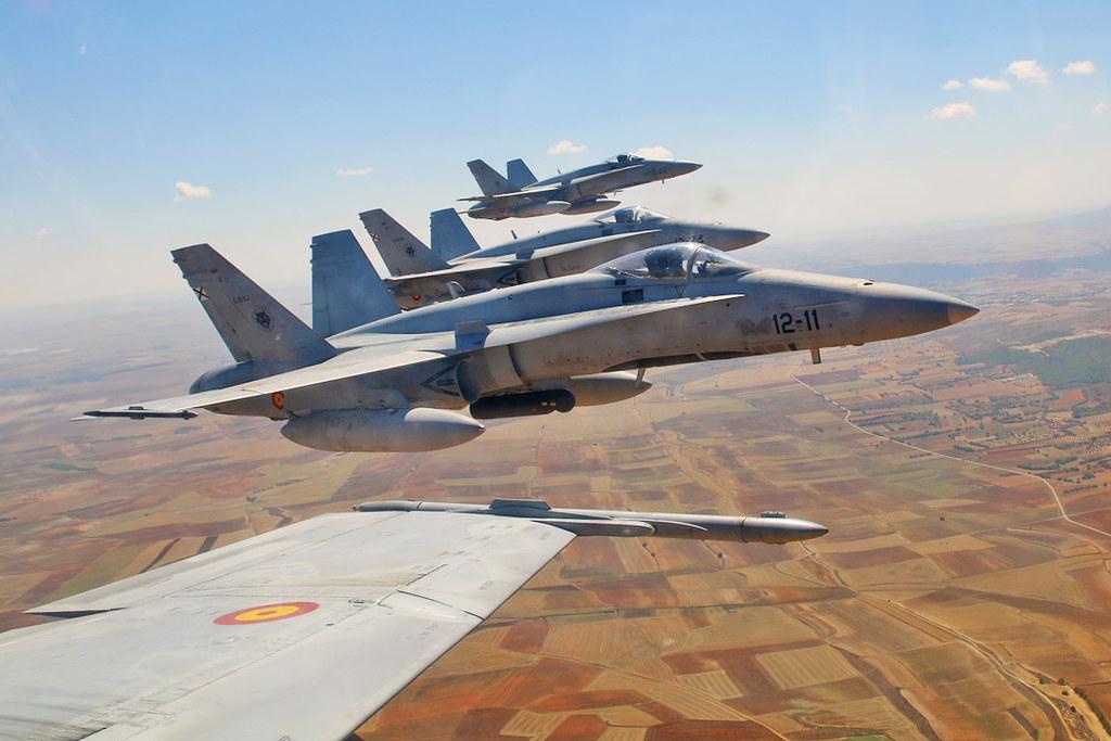 Participan seis aviones de combate F-18 del Ala 12