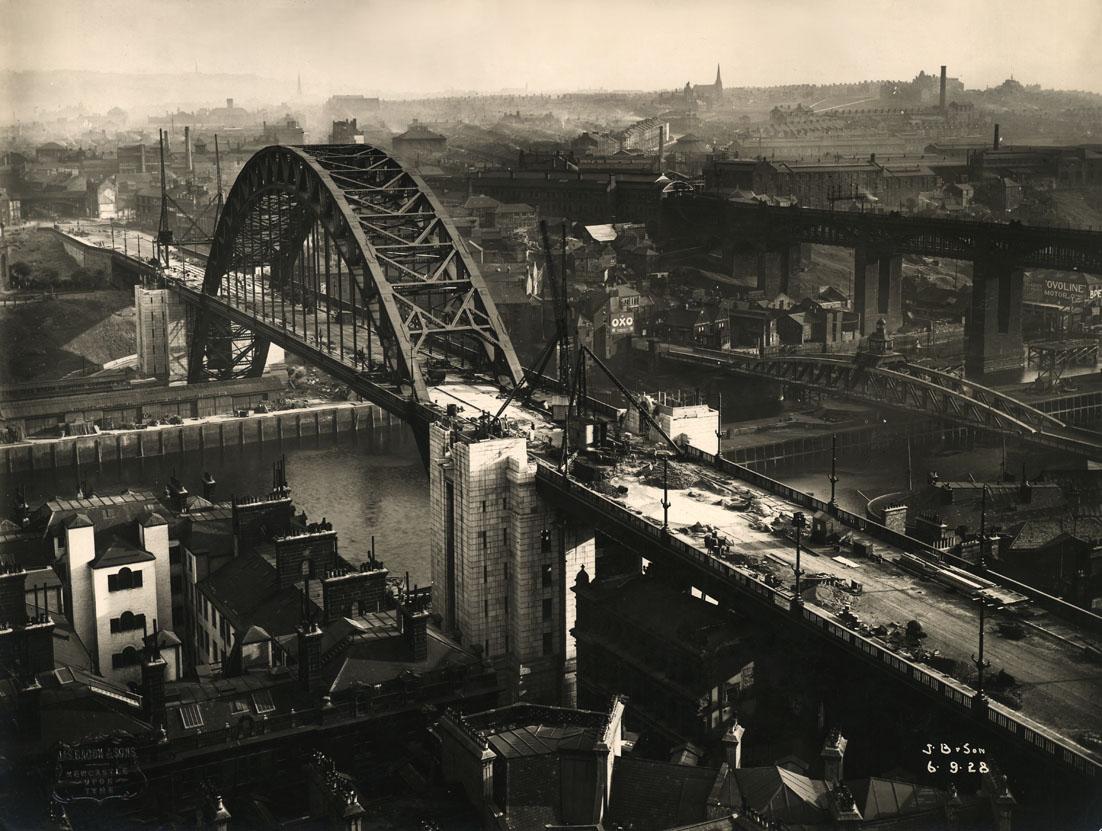 Tyne Bridge towers under construction