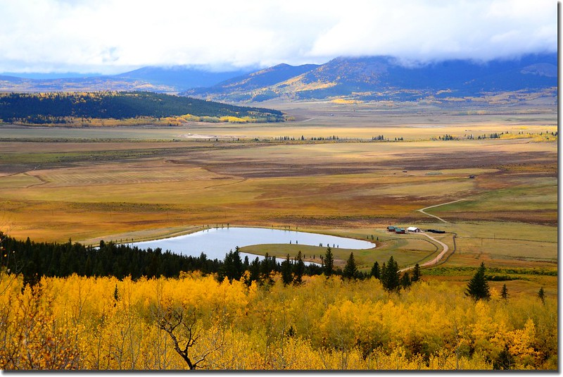 The view of the South Park valley area from Colorado Trail (13)