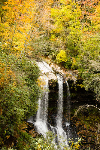 bridalveilfalls highland northcarolina beauty falls nc water waterfall autumn colors drama vibrance highlandnorth carolinabeautyfallsnc