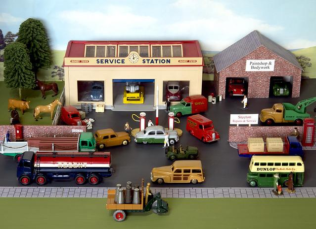 Dinky Toys Steeton Service Station Diorama