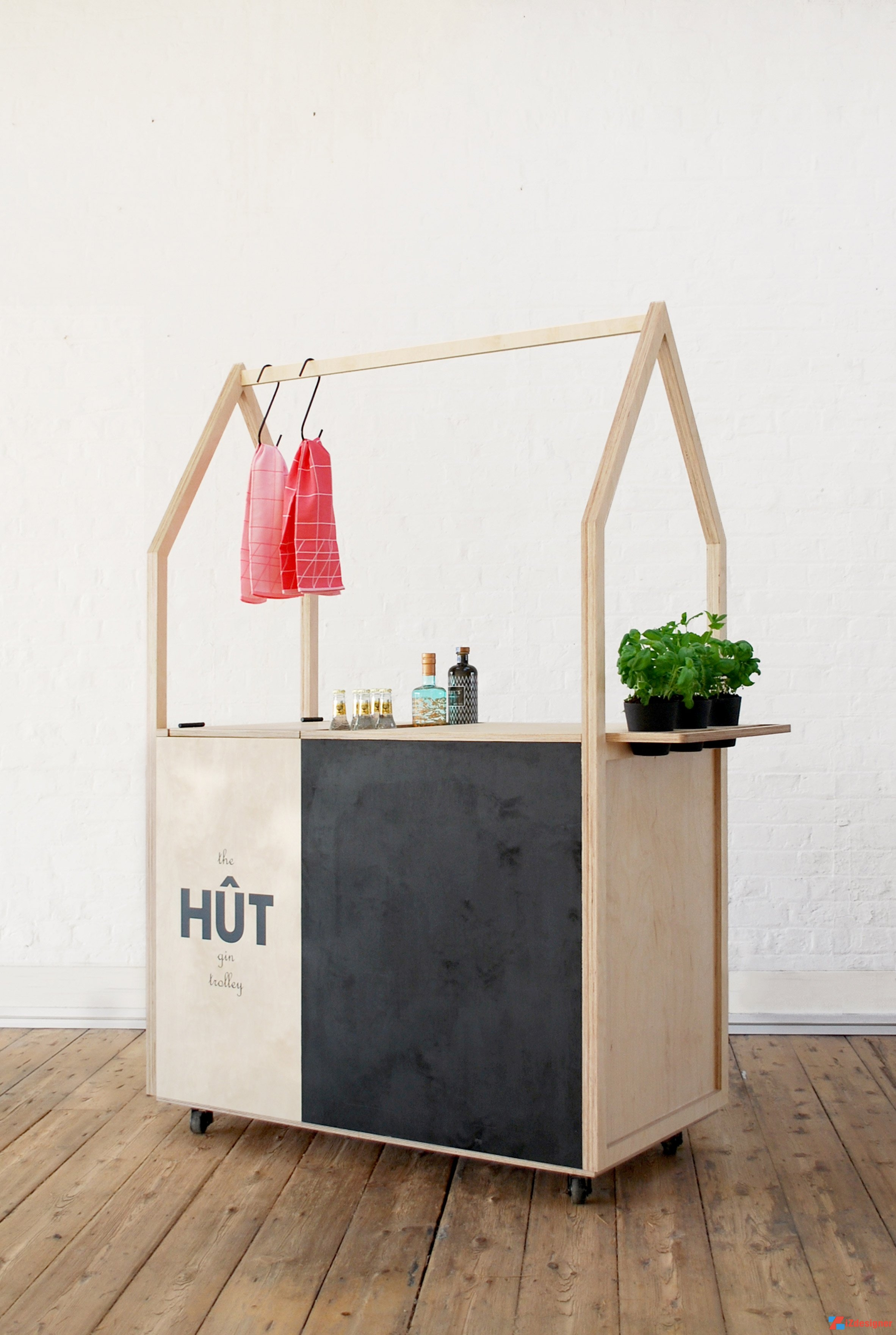 Xe đẩy HÛT sáng tạo cho văn phòng làm việc