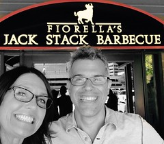 Divergent & convergent conversations over KC @jackstackbbq w/Brad Spirrison= so much cerebral fun! Smiling over shared experiences/paths/mindsets cc: @jenwilliamsedu #elevateedu @howiparticipate #edtech #PLN #GLOBALED