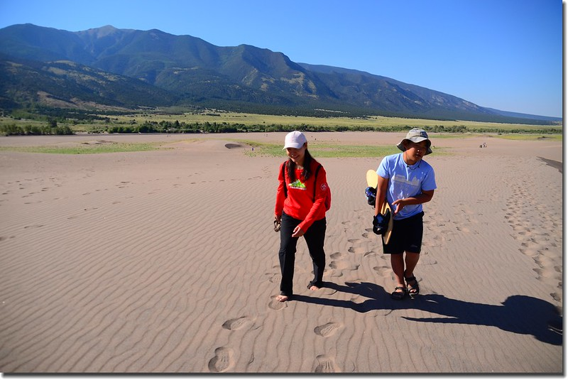 Sledding at Great Sand Dunes  (5)