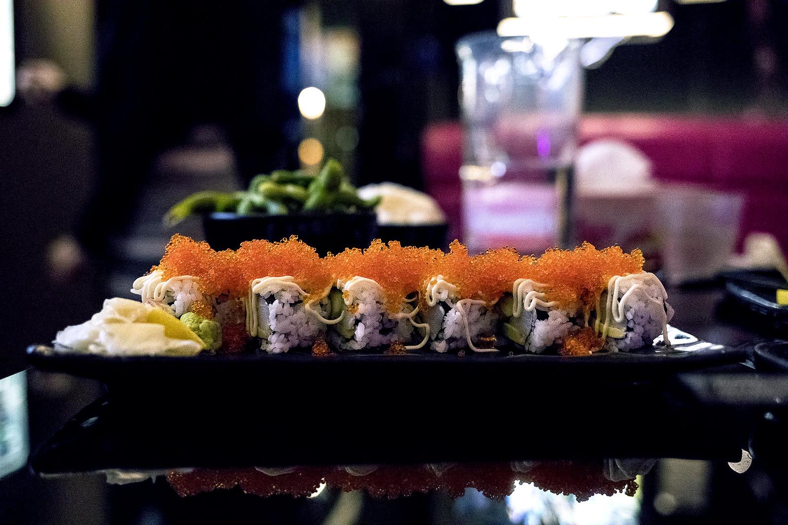 25,600 Sushi