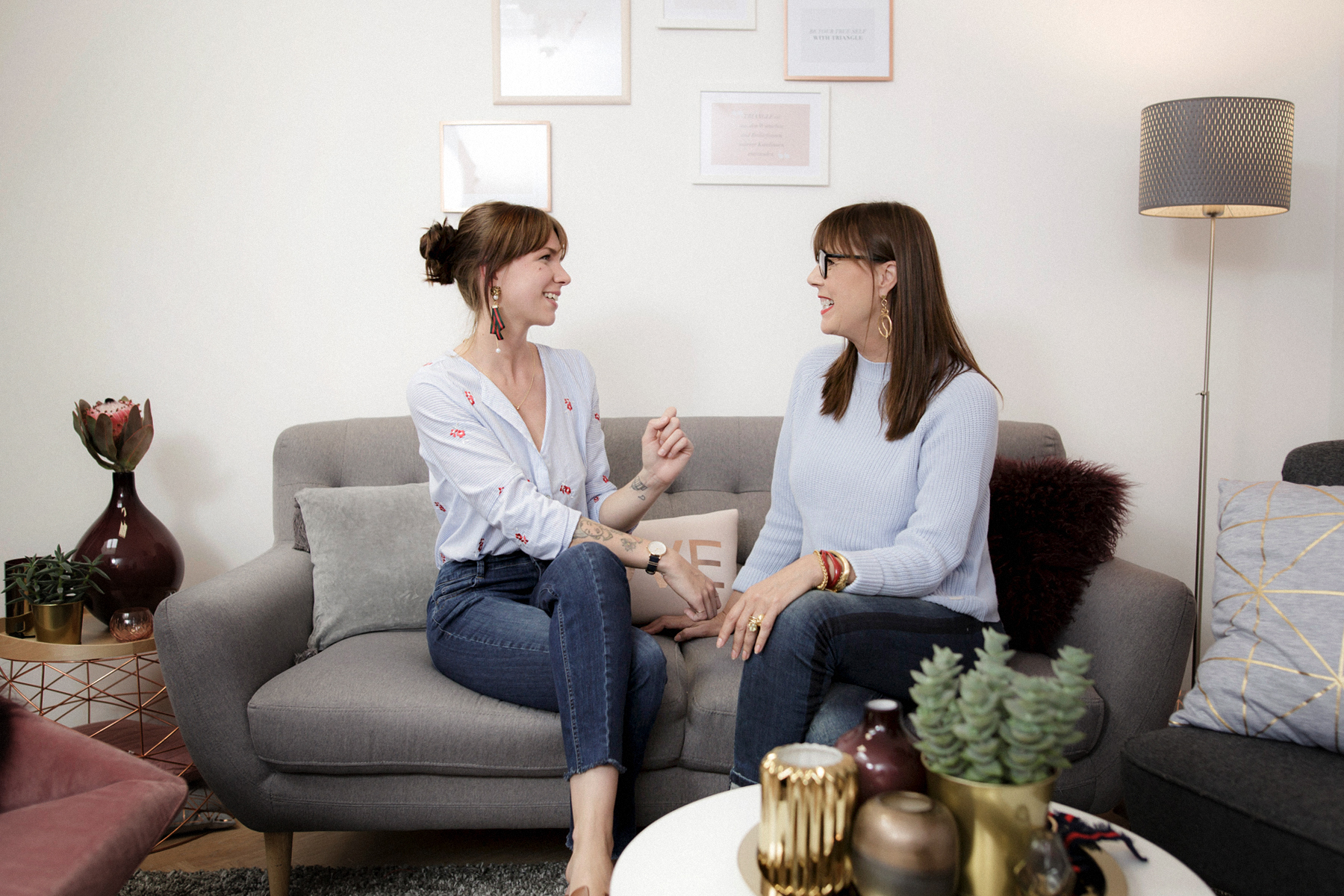 triangle interview business for fashion girls talk fashionblogger rosegold grey minimal scandi style interior brunette bangs cute denim style baby blue cats & dogs modeblog  düsseldorf germany styleblogger outfitblogger ricarda schernus max bechmann 5