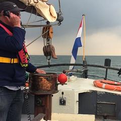 Even bellen met de havenmeester #loodsbotter #Texelstroom #Texel