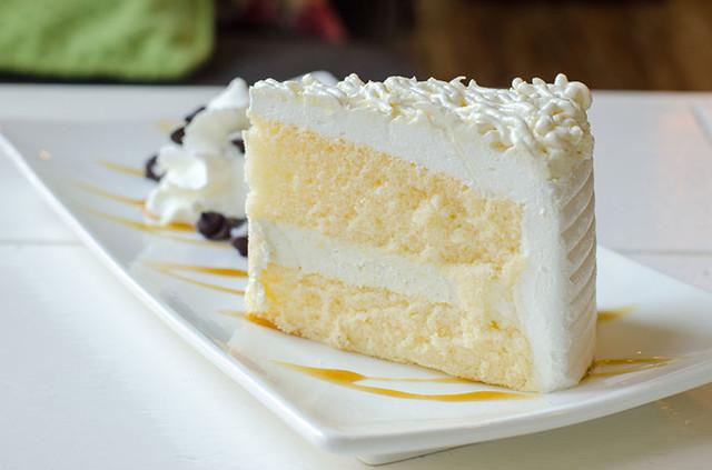 gluten-free-vanilla-cake-02