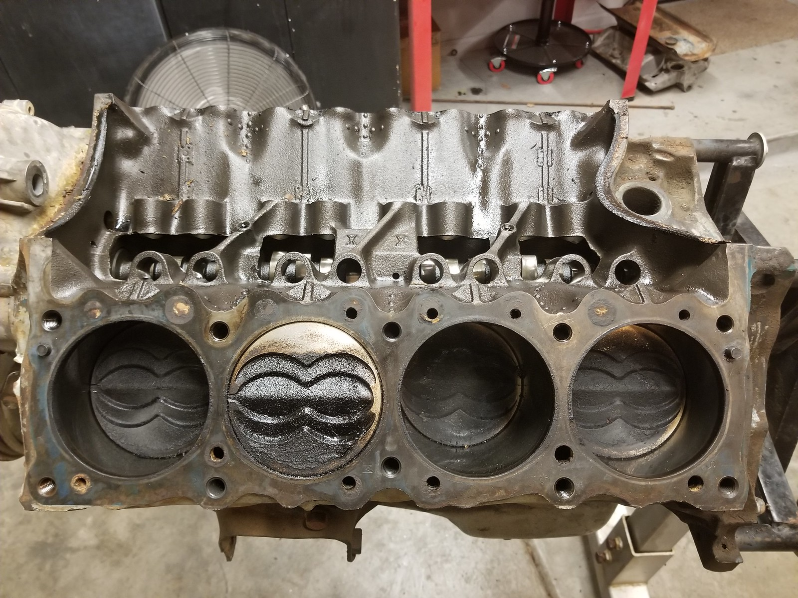 Pistons, what motor is this from?