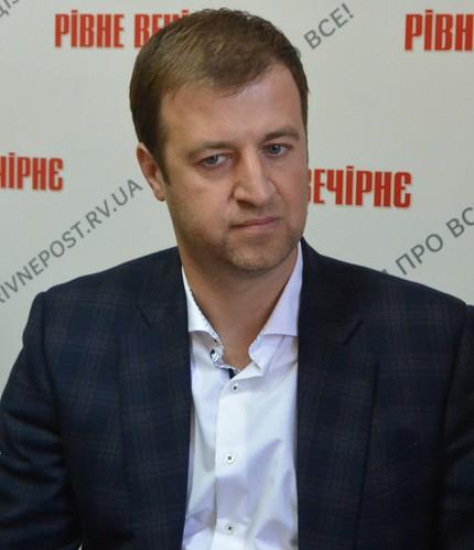 Вісім мільйонів для Хахльова просить фанат Бучинський