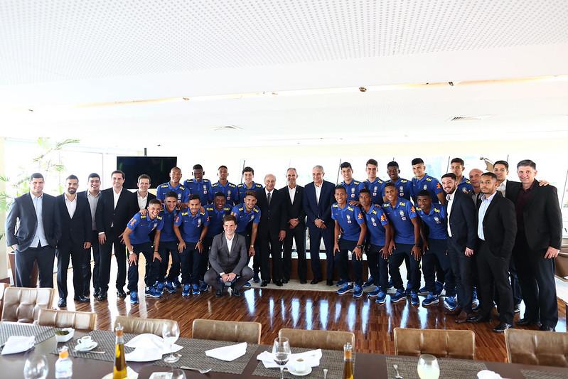 Seleção Sub-17 almoça na CBF antes do Mundial da Índia