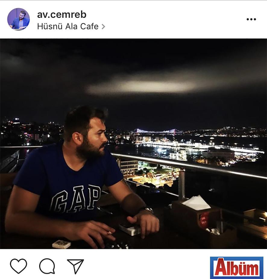 Avukat Cemre Büyükdemirel, Hüsnü Ala Cafe'de İstanbul manzarasının tadını çıkardı.