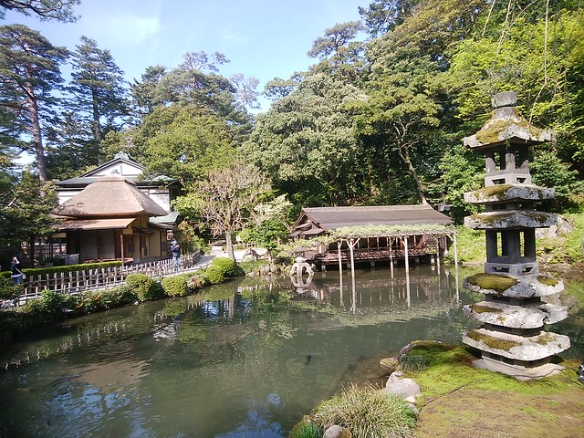 ishikawa-kanazawa-kenrokuen-garden-01