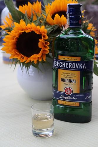 Becherovka (als Überleitung zum Bericht über eine Radtour entlang der Moldau)