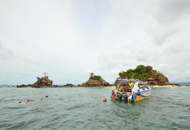 3 khai islands phuket khai nui island