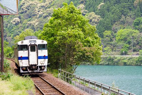 肥薩線 吉尾駅 : 旅のカケラ