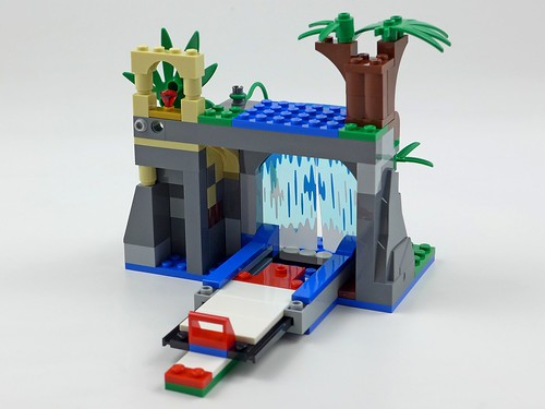 LEGO City Jungle 60160 Jungle Mobile Lab 33