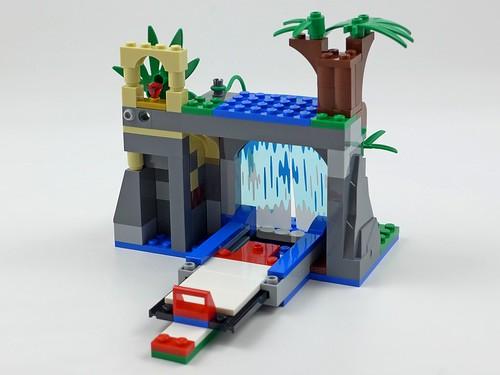 LEGO City Jungle 60160 Jungle Mobile Lab 33