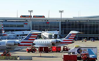 American Eagle CRJs DFW (RD)