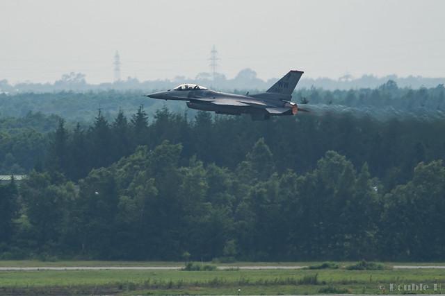 JASDF Chitose AB Airshow 2017 Rehearsal 7.21 (24) PACAF F-16C / 92-887