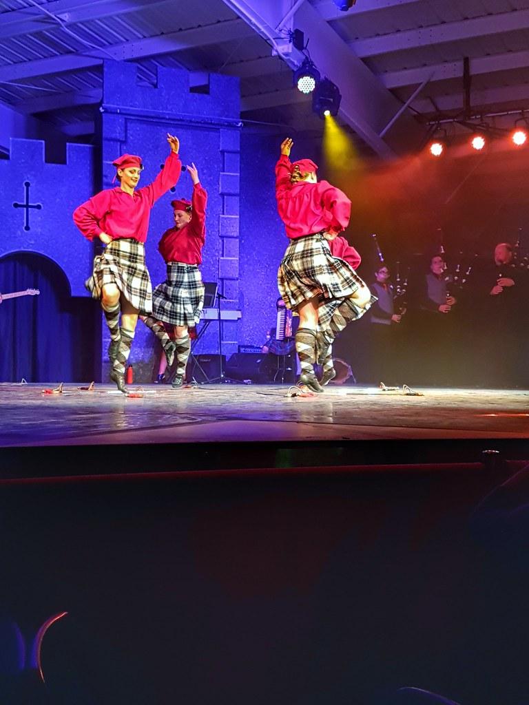 Scottish pavilion dancers 1