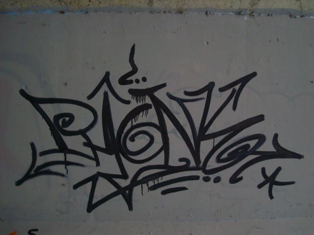Writing the Phonk, Sony DSC-W200