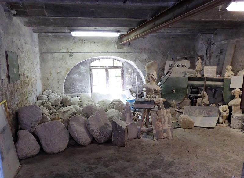 Steinmetzwerkstatt in Volderra