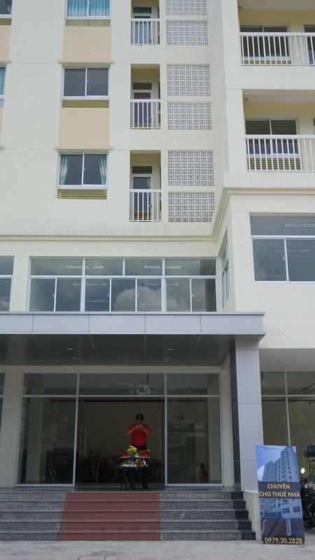Anh Dũng Voi đại diện Gold Link cúng khai trương chi nhánh Quận 12 - Chung cư Đông Hải