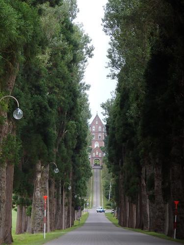 トラピスト修道院へ続く道。道百選っぽいが違う。