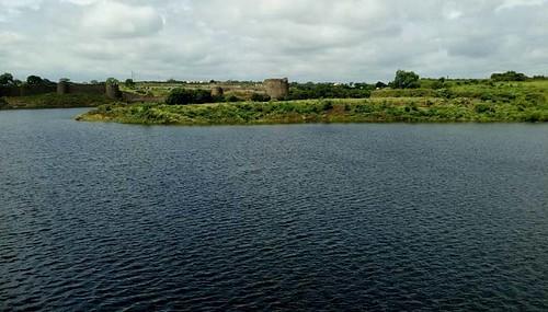 बोरी नदीच्या पाण्याने नटलेला नळदूर्ग किल्ल्यातील परिसर