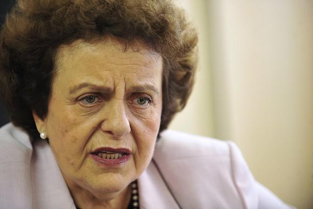Tudo que conquistamos está em risco, avalia ex-ministra de Políticas para as Mulheres