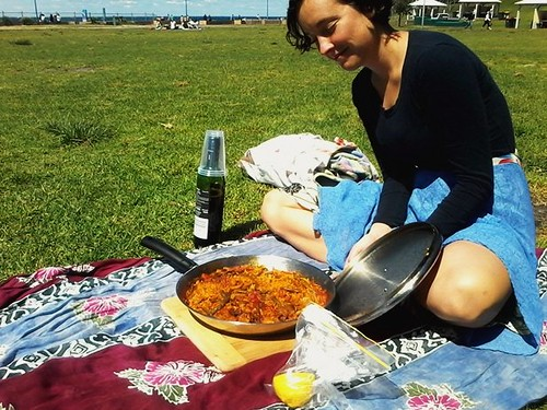 Paella picnic at Bronte Beach with Renella
