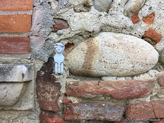 Bricks and Garonne pebbles - Photo of Rieux