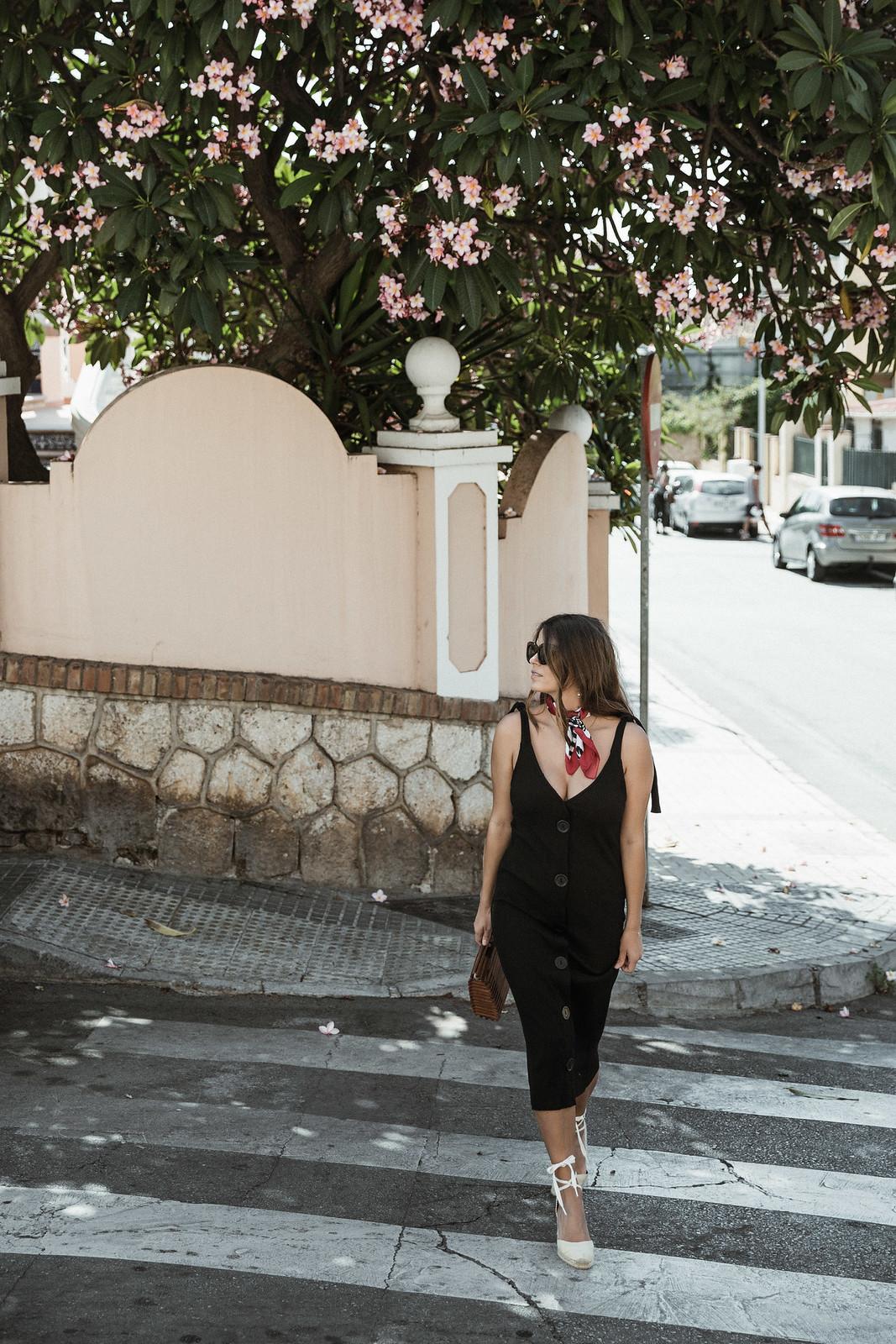 seams for a desire - jessie chanes - black tight dress - zara-10