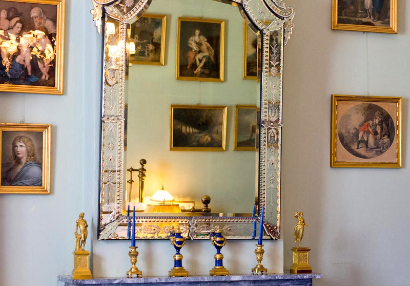 Doorn House decorative mirror. Credit Hans Splinter, flickr