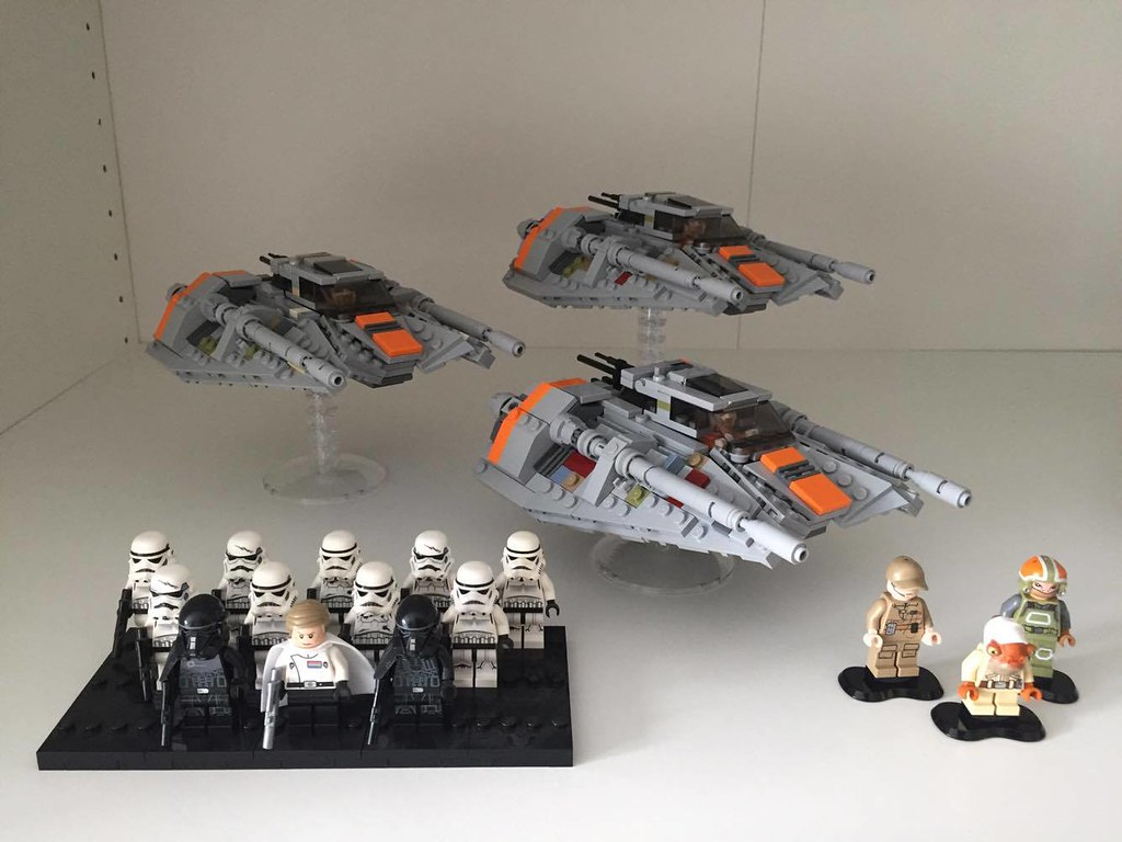 Snowspeeders - Scale with minifigures