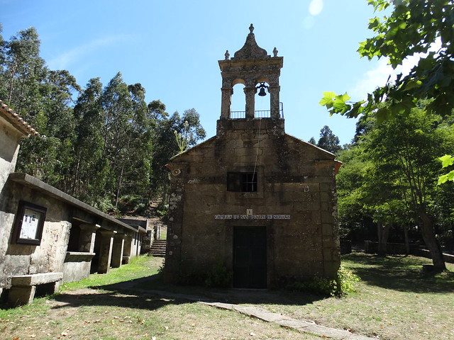 Capilla de San Bieito de Seráns en Porto do Son