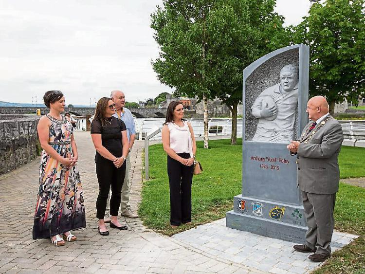 GN4_DAT_8461819.jpg--legacy_of_anthony_foley_immortalised_in_limerick_city_memorial