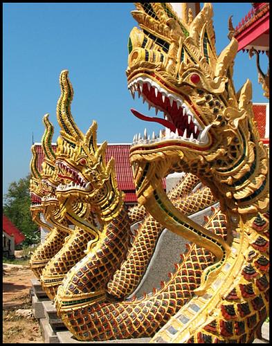 Wat Vichit Sangkaram - Naga